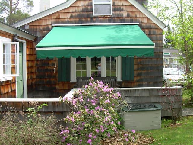 Lake Cottage - Madison