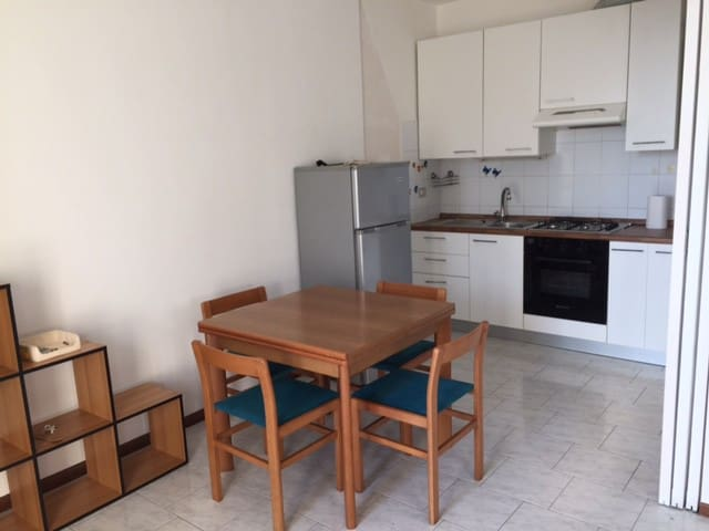 Studio apartment in Gallarate, close to the apt - Gallarate - Byt