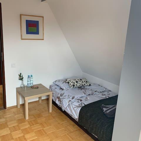 VI hostel с двухспальной кроватью