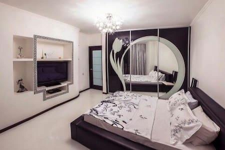 Роскошная квартира - Сургут - Daire