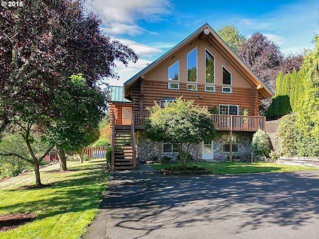 Knotty Pine - Log Home