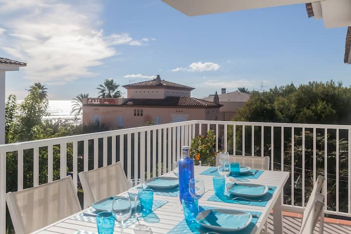 The Beach Sitges : sea view for 6