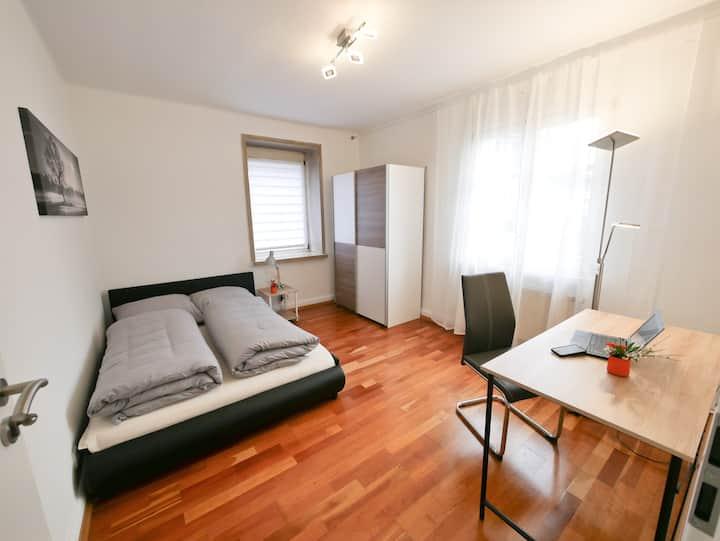 Nähe zu Strasbourg: ruhiges Zimmer in Kehl