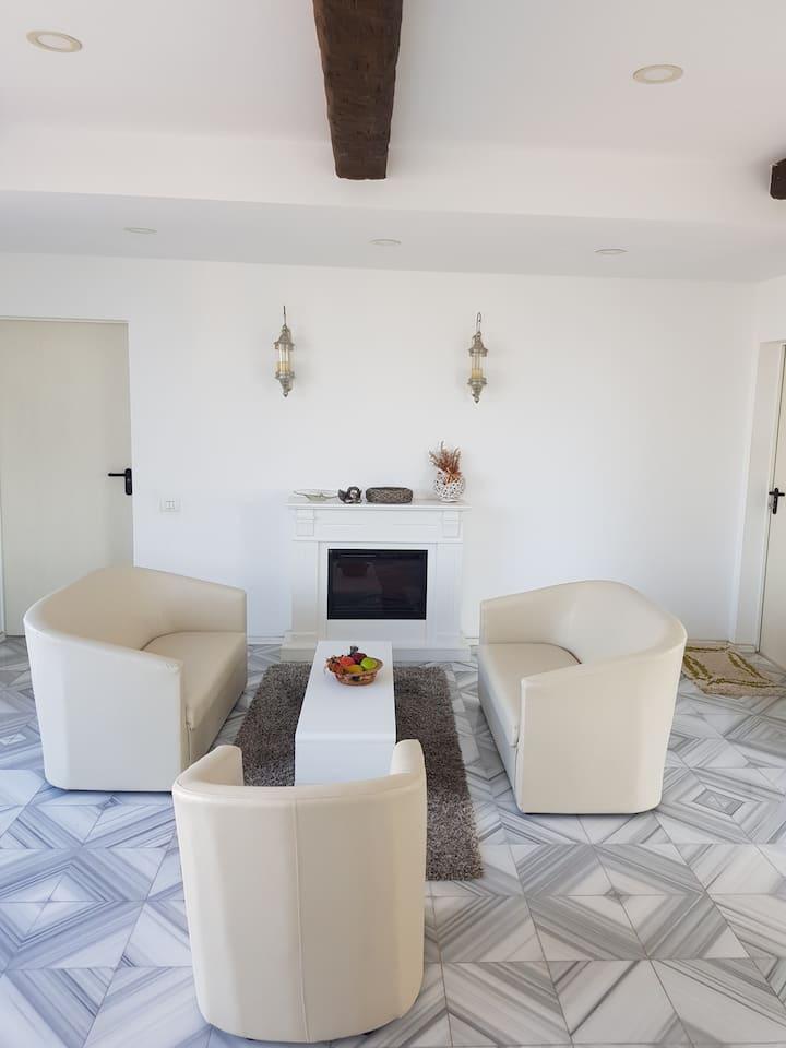 Raluca, small apartment