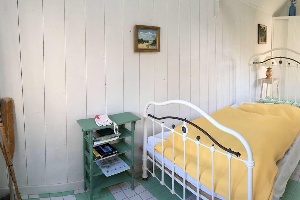 La domik chambre double br hat vue mer maisons for Chambre d hote ile de brehat