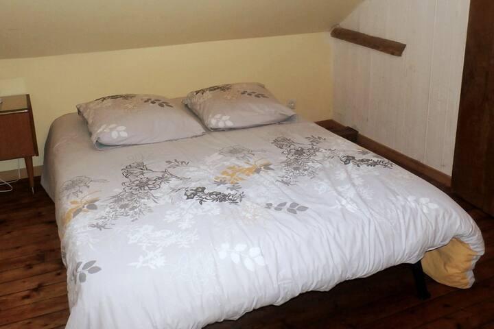 Chambre privée avec lit deux pers