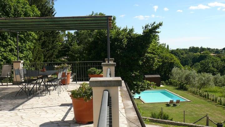 3 depandance in villa con piscina