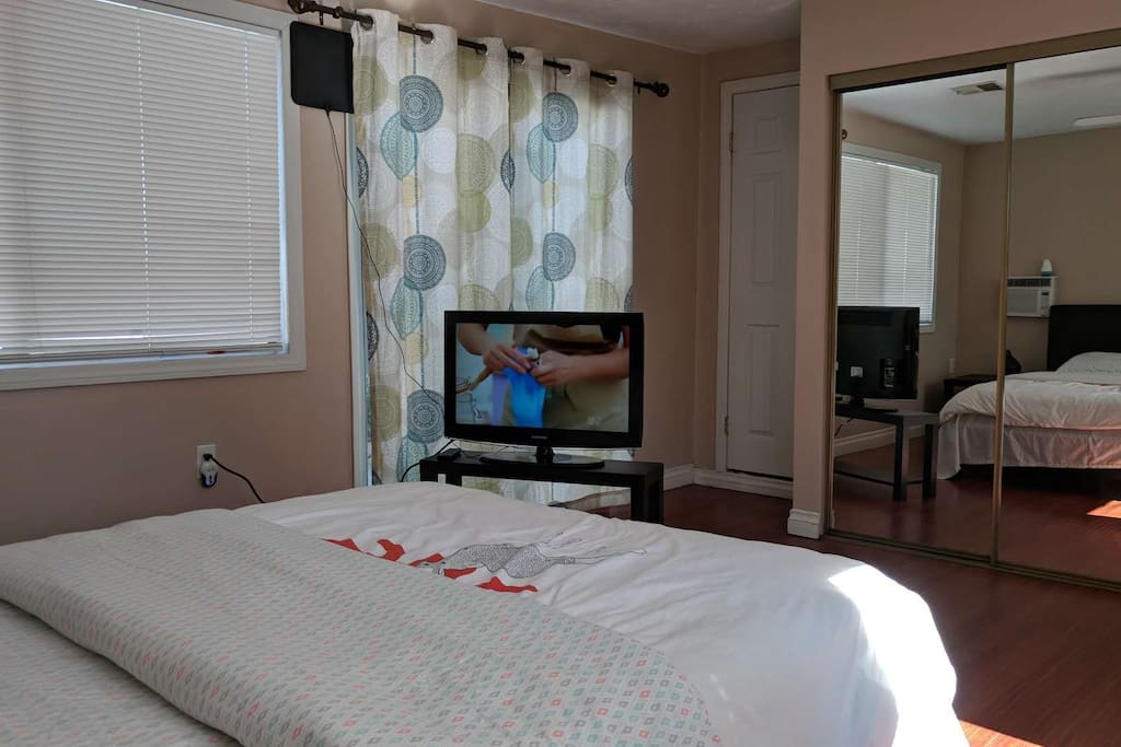 The room have TV and Free WiFI.
