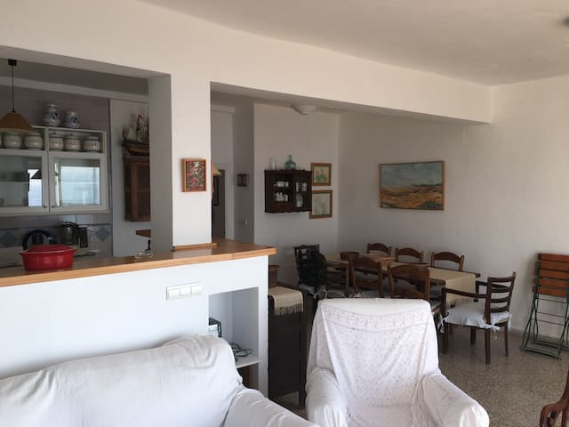 BEACHFRONT APARTMENT. NICE VIEWS.PARKING - Rota - Appartement