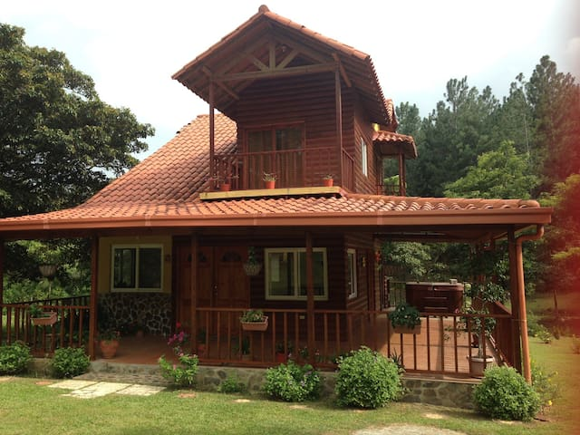 Wooden Cabin in Altos del Maria