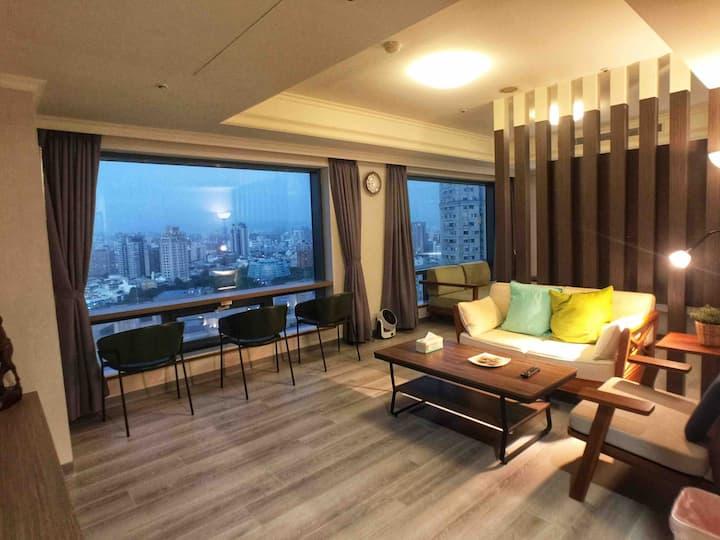 Seeing Taichung 現代輕奢高樓夜景,近勤美綠園道、逢甲夜市
