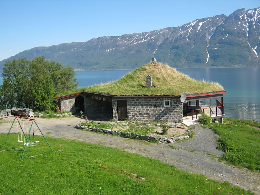 VIKINGSTUA (Grillhaus, Grillhus, Grill House)