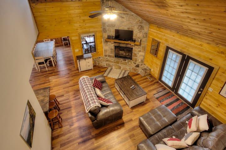 Country Oaks Lodge