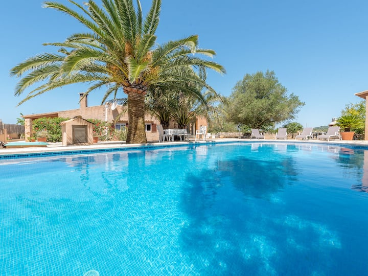 A rural idyll with garden and pool - Villa Son Coves