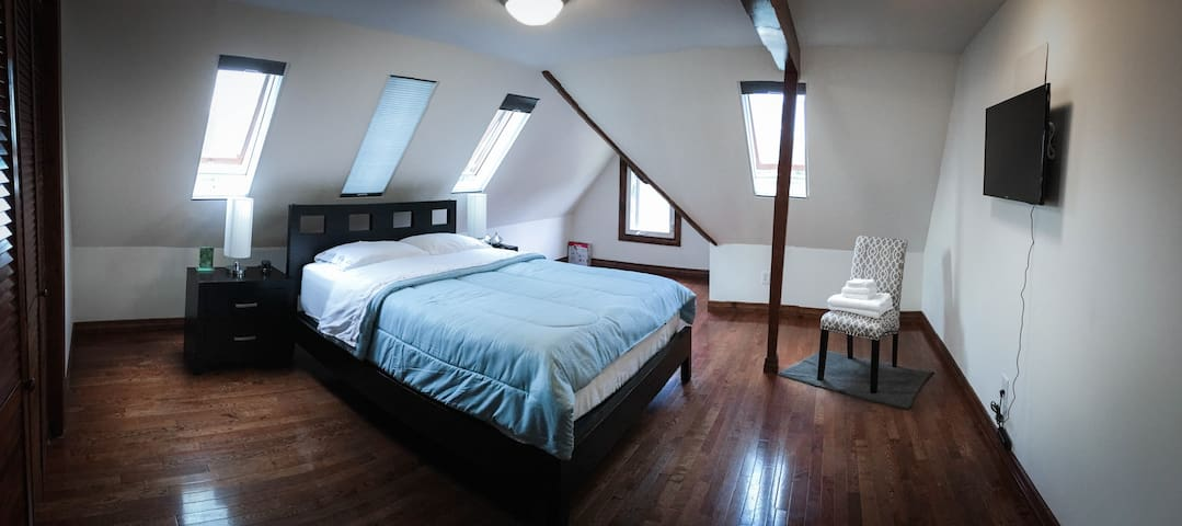Plimpton Room @ The Belafonte