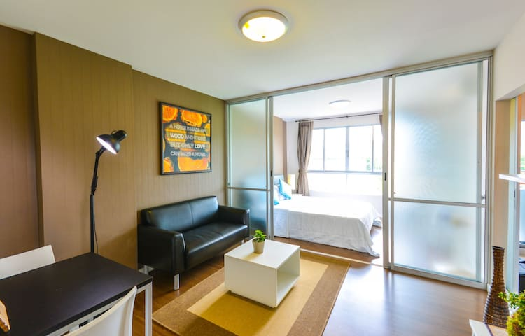 New cozy stay w/wifi gym 100m pool - TH - Flat