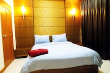 Double Bedroom with En-Suite Bathroom, Fully Air Conditioned, Room Safe