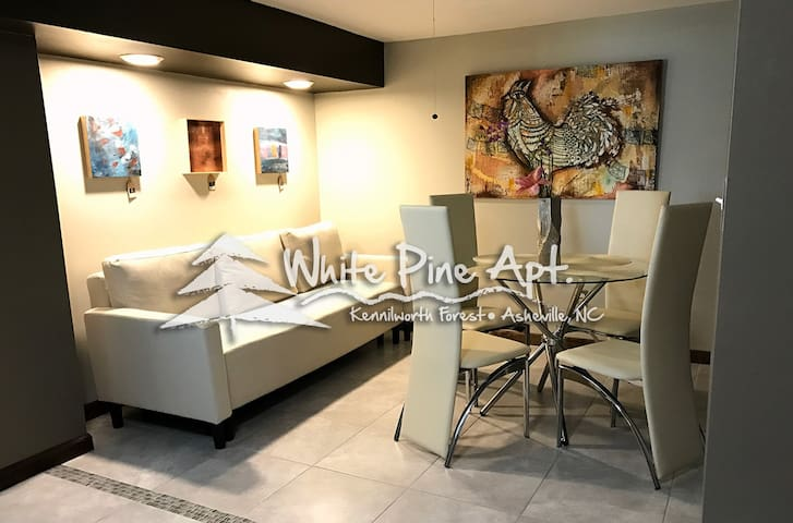 NEW Contemporary Apt-AshevilleMall-7mins Downtown