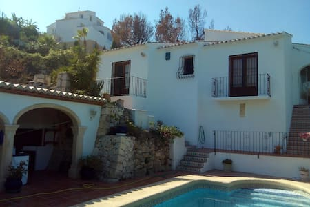 Villa with pool and fantastic views - Xàbia - Hytte (i sveitsisk stil)