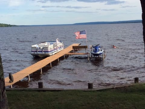 Cameron's on Sandy Beach - Lake Gogebic, Bergland