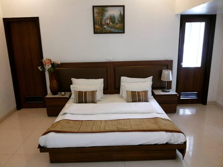 Budget 1-bedroom in Sec-105, Noida