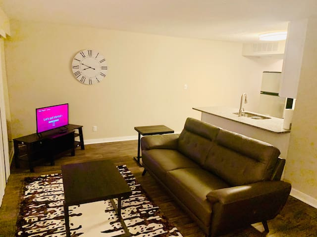 1Bedroom Condo in Buckhead 3 min from Lenox Square