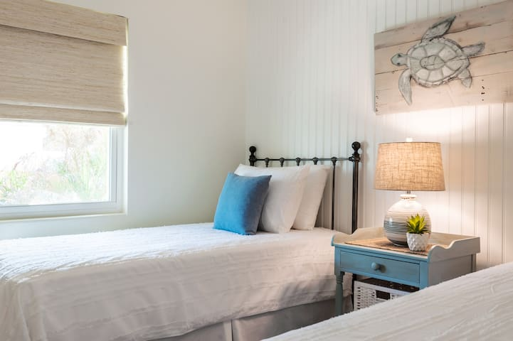 Guest Bedroom - 2 twin beds with cotton linens