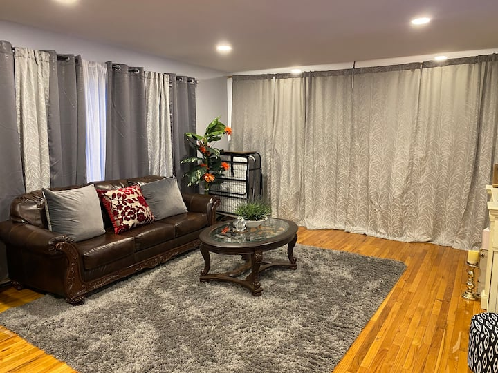 Large 1-Bedroom in New Rochelle Country Club Area!