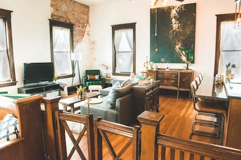 The Courthouse Loft - History and Luxury.