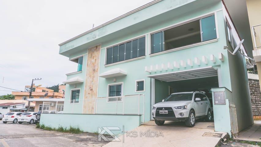 Casa de praia em Gov. Celso Ramos -Ganchos de fora