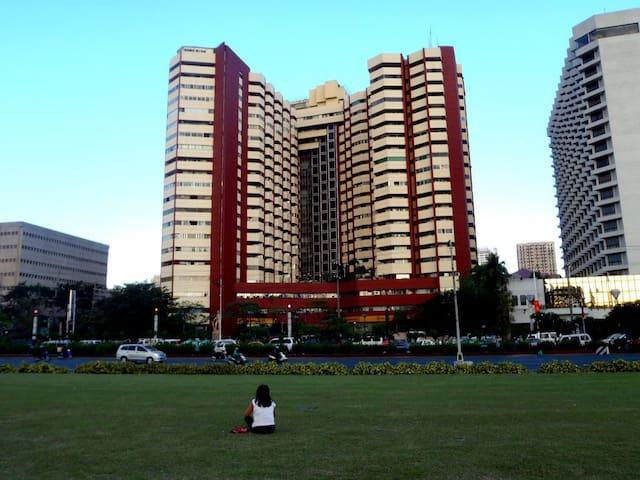 Hotel-Like Condominium in Manila Bay (Rm.21AHU)