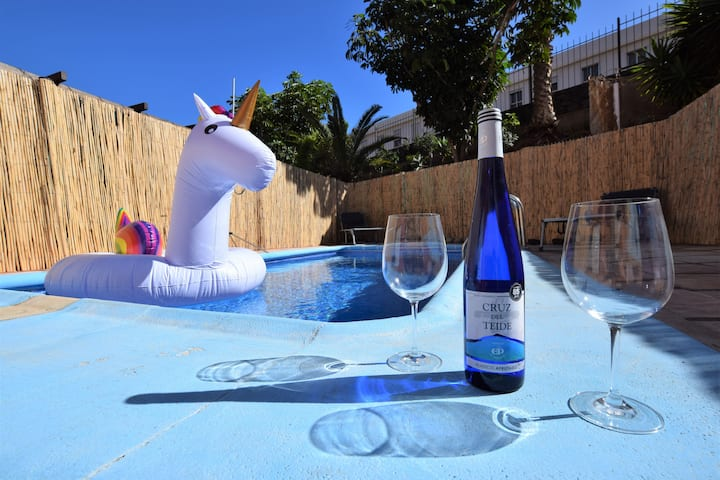 ★Private Pool with★ BBQ in front of the Beach★