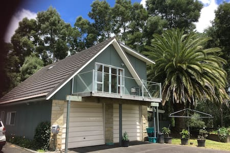 Peaceful Lofty Cottage - Tamahere - Loteng