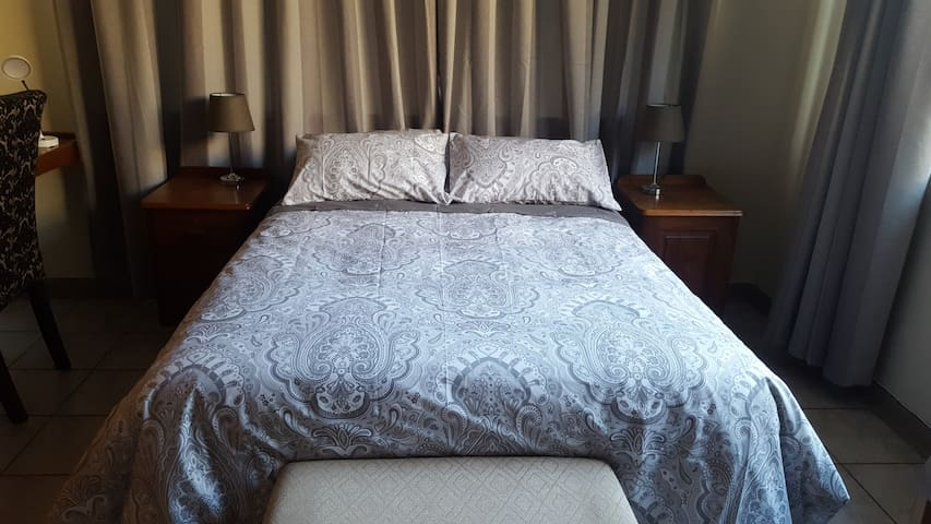 Pretoria Inn Self Catering Room 4