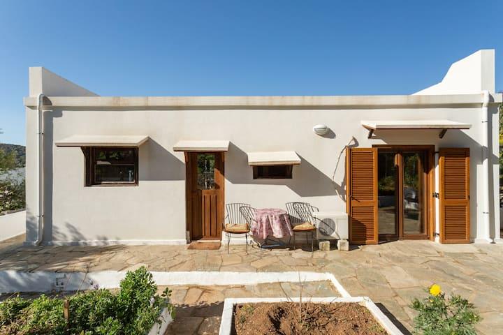 saronida paradise-safe house with private garden