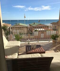 Great sea view, 3 bedrooms, renovated, garage