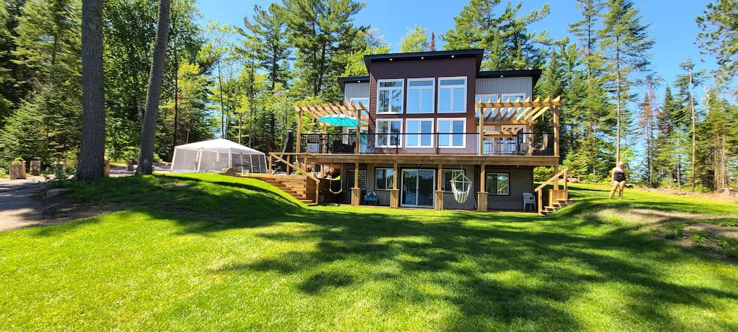 Beautiful four bedroom Lakehouse