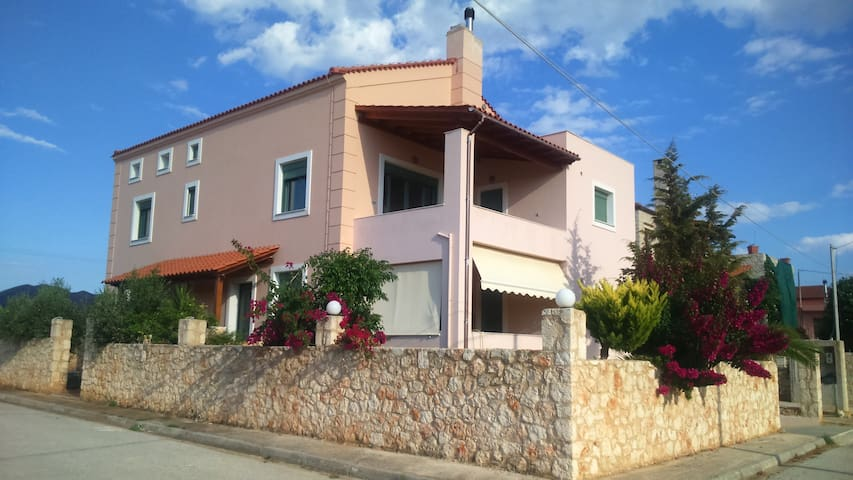 Blue Sea House  - Villa 2 min from the beach - Chorafakia - Apartemen