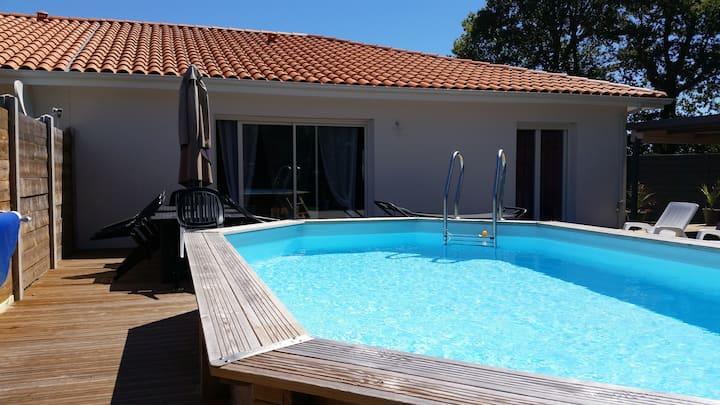 Maison au calme avec piscine chauffée