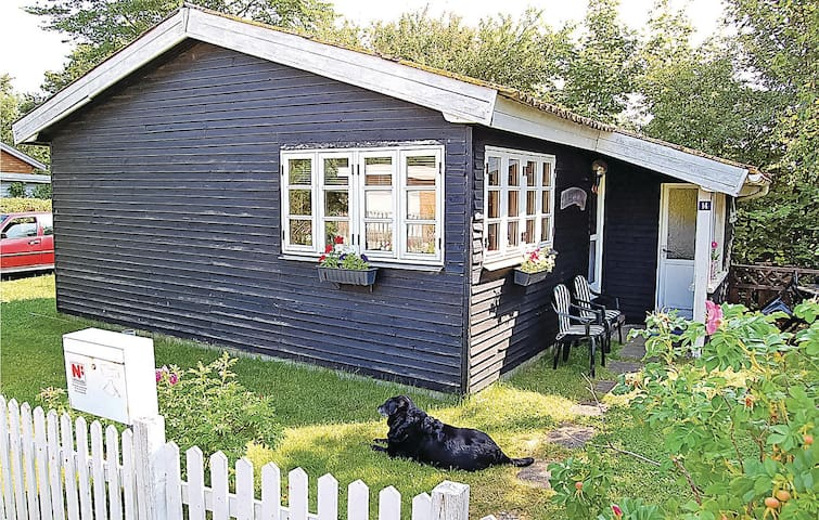 Holiday cottage with 1 bedroom on 40m² in Hejls