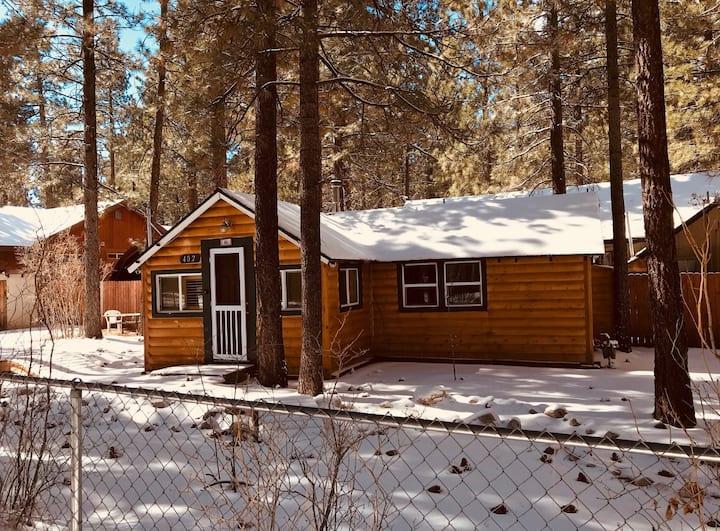 Cozy Cottage For Two - FREE Kayak/Bike Rental!