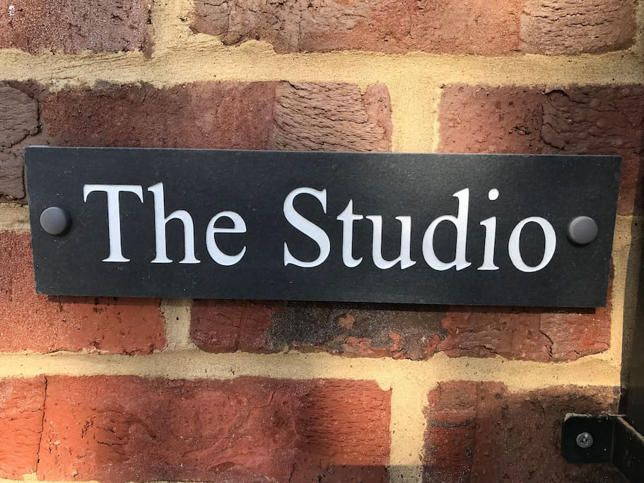 The Studio in Maidenhead river area.