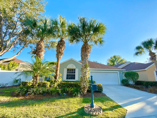 *JAN AVAILABLE* Spacious 3 Bed Beach House w/ Pool