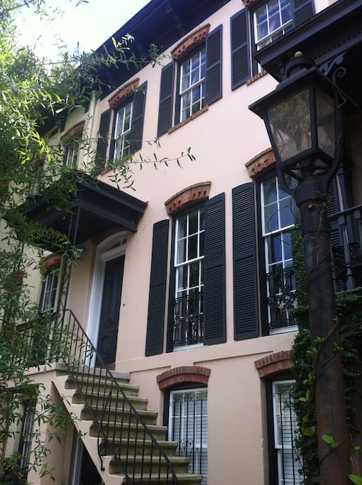 This rental unit is the ground level apartment of this 1872 Historic Savannah townhome.