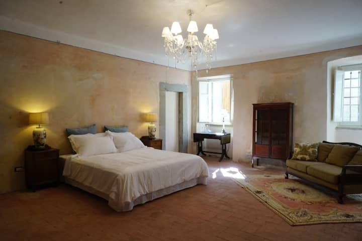 Very large room in villa in Lunigiana, Tuscany