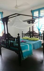 Spacious room in private villa. - Bwejuu