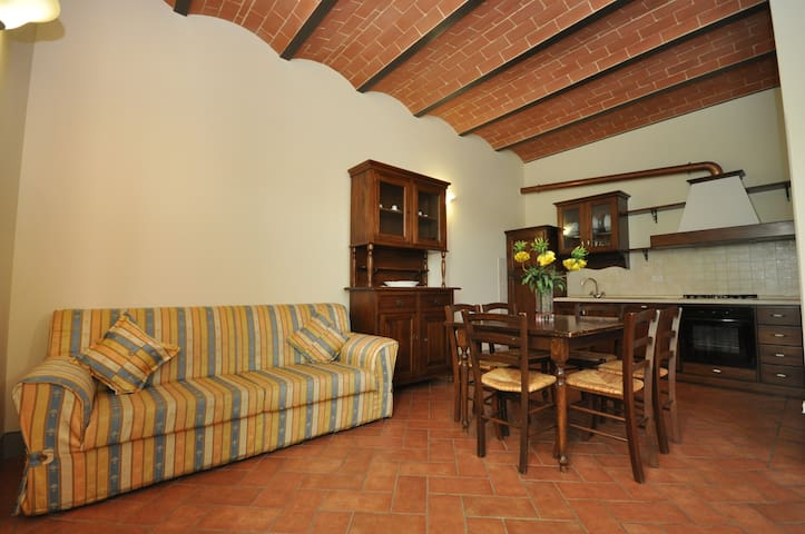 Beautiful apartment for 4 people in Tuscany - Cerreto Guidi - Leilighet