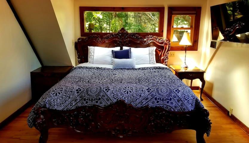 One Suite World - White Lotus Eco Spa Retreat