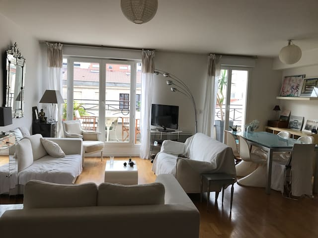 Room in nice apartment with balcony