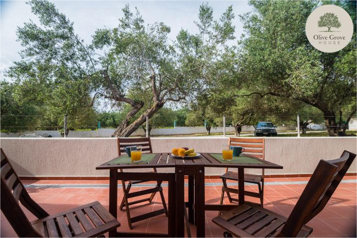 Olive Grove House, Argostoli